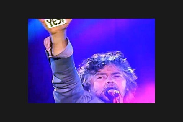 The Flaming Lips play eight shows in one day??!!!!??!!!! What a buncha weirdos!!!!!!!!