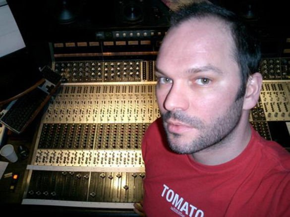 Radiohead producer and general lurking figure Nigel Godrich forms his own band Ultraísta