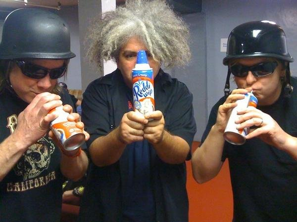 The Melvins attempt to break Guinness World Tour Record, appear on Fox News as sludge correspondents