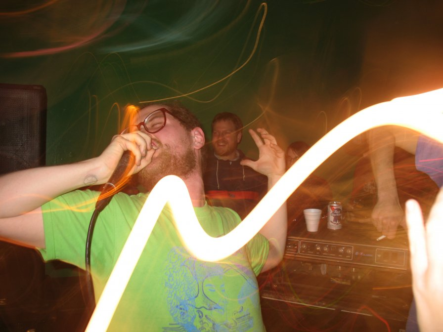 Dan Deacon will make your phone part of his show... is spraying the whole audience with candy far behind??