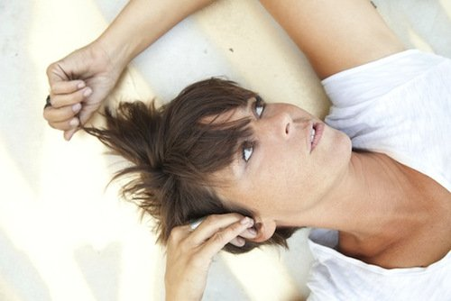 Cat Power announces European tourdates, purchase of new scratching pole